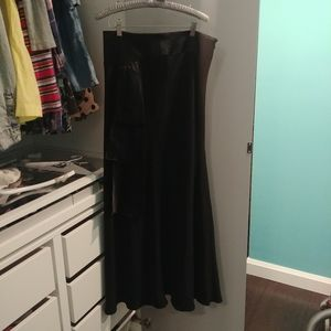 The Room skirt size 8 in EUC
